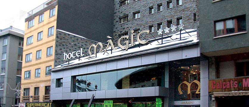 magic-pas-exterior.jpg